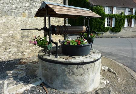 Il reste deux puits à La Chapelle-St-Sulpice, ils ont été rénovés en 2009.